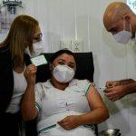 Los 70 mil trabajadores de la salud estarían vacunados contra el Covid-19 para finales de abril, según el MSP