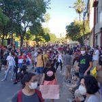 Manifestantes marchan por las calles del microcentro de Asunción