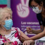 Chile ya vacunó al 20% de su población y ahora dona dosis a Ecuador y Paraguay