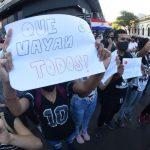 Autoconvocados vuelven a juntarse en las plazas frente al Parlamento
