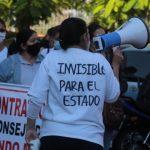Sector de gremio de enfermeras se manifiestan por mejora de sueldos y amenazan con huelga