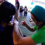 Siguiente etapa de vacunación sería para jóvenes de 18 a 19 años, dice viceministra