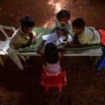 La escasez de vacunas y la falta de infraestructura lastran el regreso a clases en AL